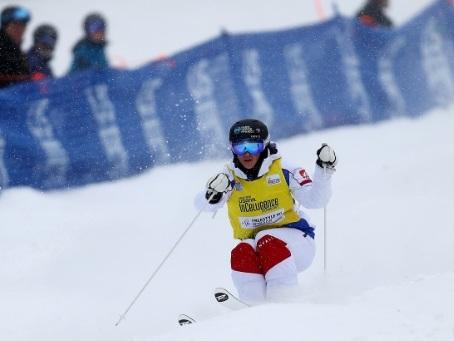 Bleus du blanc: Laffont et l'équipe de France de ski-cross font leur rentrée