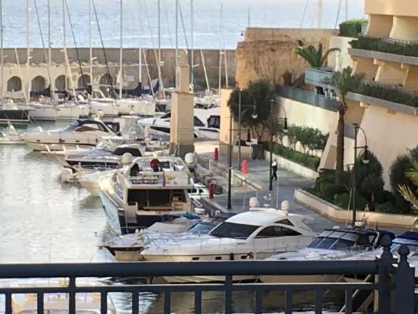 Meurtre de «la femme WikiLeaks» à Malte: spectaculaire arrestation d'un homme d'affaires lié à des politiciens