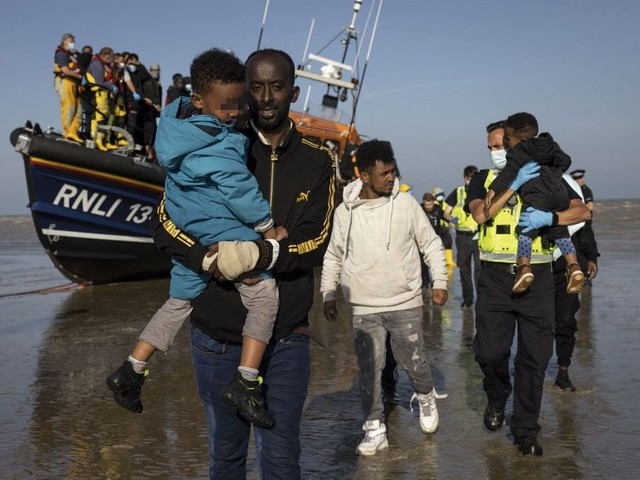 Pas-de-Calais : dernier port de l'espoir
