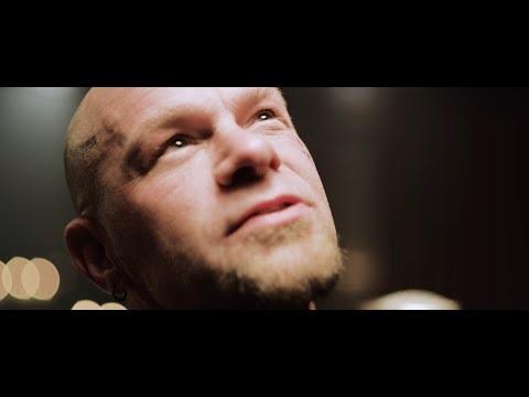Un clip pour Five Finger Death Punch, cette fois c'est Darkness Settles, qui sert aussi de BO au...