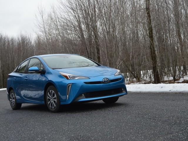Toyota Prius AWD-e : l'hybride à quatre roues motrices