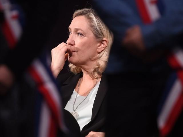 Le Rassemblement national de Marine Le Pen aborde sa rentrée en boitant à droite
