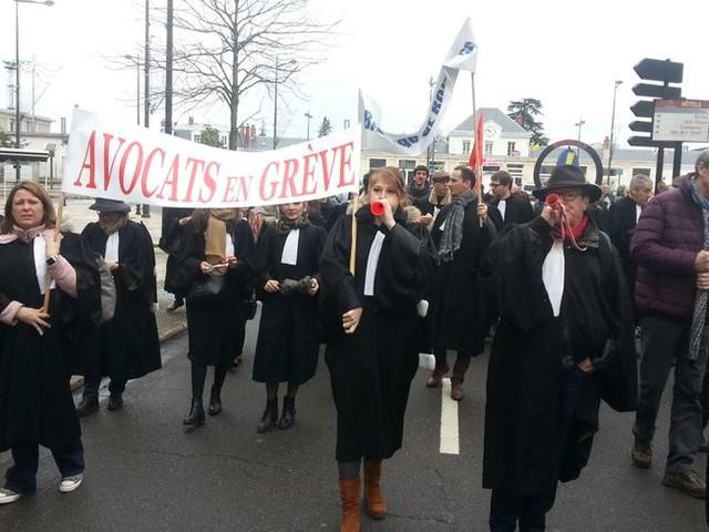 Les avocats du barreau de Bourges toujours en grève contre la réforme des retraites