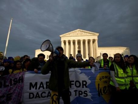 Le sort de 700.000 jeunes migrants aux mains de la justice américaine