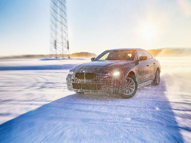 Le BMW i4 vise les 600 kilomètres d'autonomie