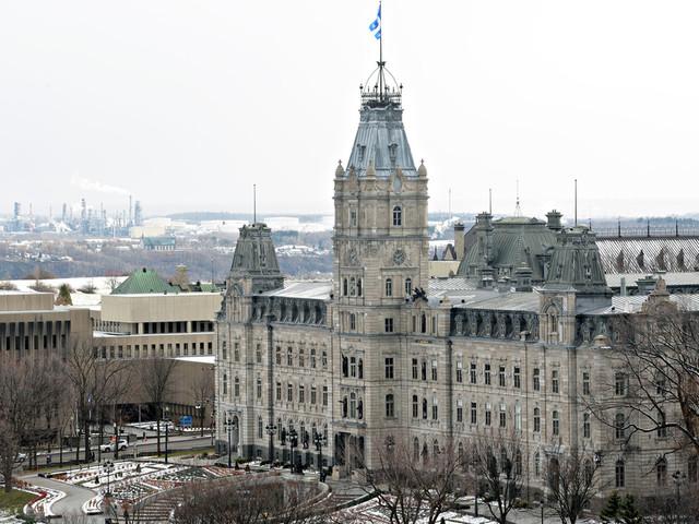 Québec prolonge des primes du secteur public