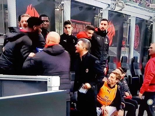 Une improbable embrouille sur le banc du Milan