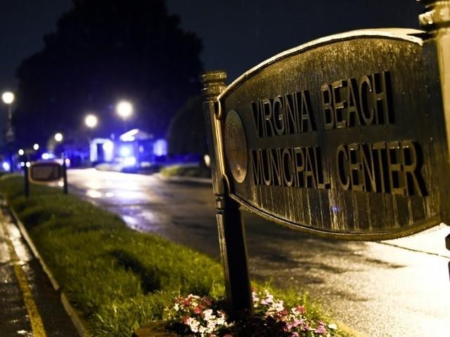 Etats-Unis : un tireur fait 12 morts dans une station balnéaire