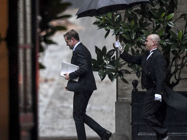Négociations fédérales: Paul Magnette jette l'éponge, le Roi reprend ses consultations