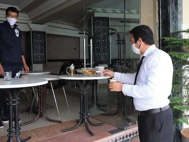 Des cafés et restaurants sanctionnés à Rabat