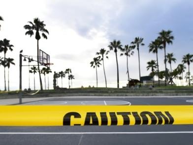 """En Californie, la distanciation sociale a """"fait la différence"""" face au coronavirus"""