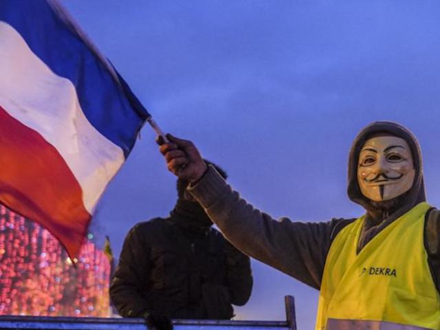 Les Anonymous se seraient ralliés à la cause des Gilets Jaunes en coordonnant des cyberattaques
