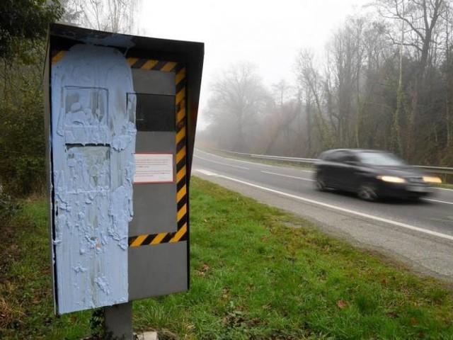 """""""Gilets jaunes"""": """"Près de 60%"""" des radars routiers dégradés depuis le début du mouvement"""