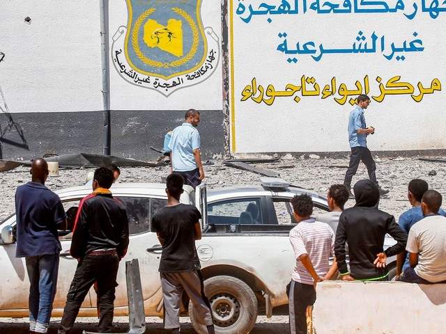Neuf Marocains blessés dans le raid aérien contre un centre pour migrants près de Tripoli selon un nouveau bilan