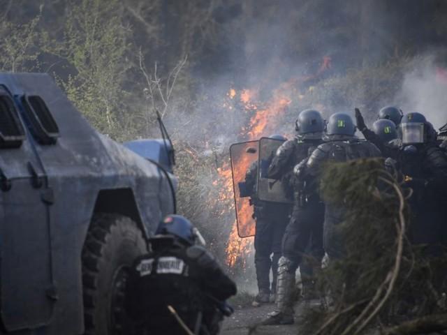 NDDL: une première avancée mais pas encore de paix durable