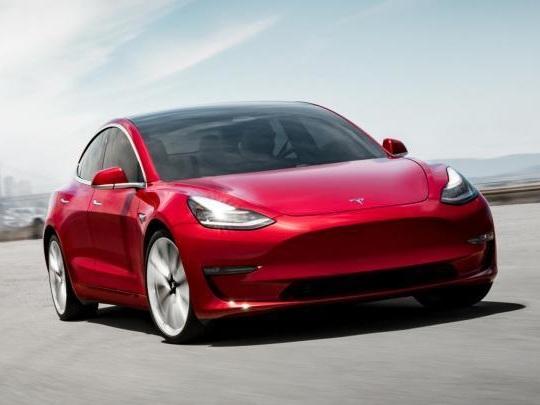 Tesla Model 3, l'arme fatale contre les cambrioleurs ?