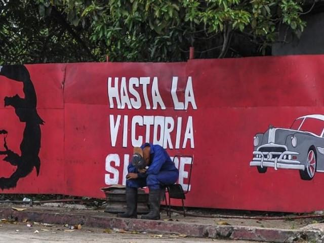 Cuba: le marché du travail utilisé pour museler toute opposition, selon Amnesty