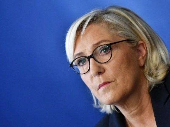 Marine Le Pen annonce que des responsables du RN manifesteront le 5 décembre