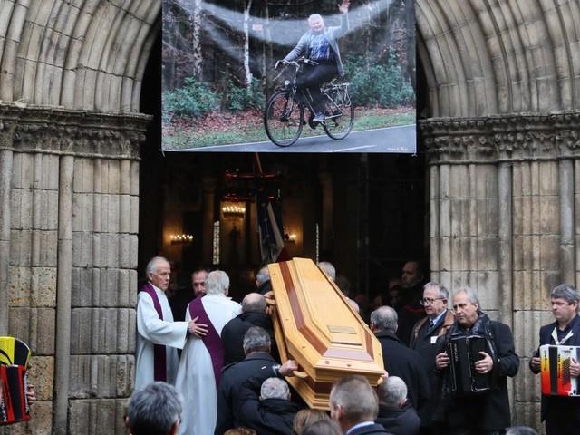 Obsèques de Raymond Poulidor : famille et champions réunis pour Poupou