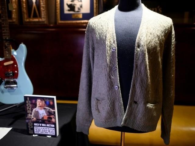 Le gilet légendaire de Kurt Cobain vendu 334 000 dollars aux enchères