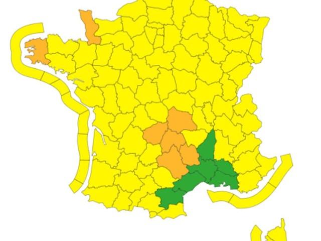 Vent violent, neige: Météo France place 7 départements en alerte