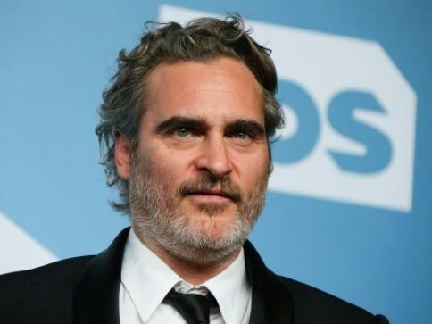 Burgers végétaux et smokings recyclés: Hollywood tente de verdir ses tapis rouges