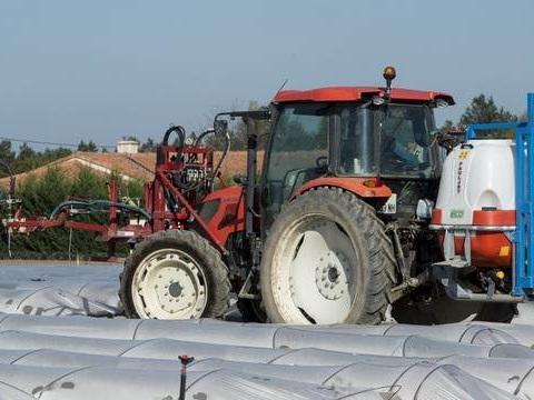 Les maires anti-pesticides contestent les distances d'épandage devant la justice
