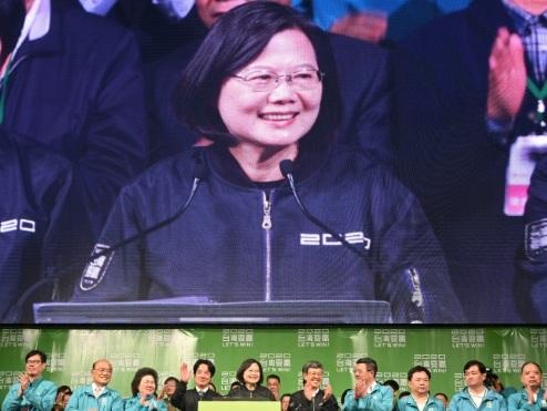 Taïwan: Tsai Ing-wen, la présidente qui résiste à Pékin