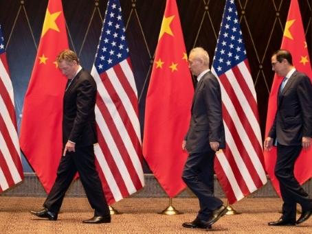 """Washington veut """"des progrès substantiels"""" dans les négociations commerciales avec Pékin"""