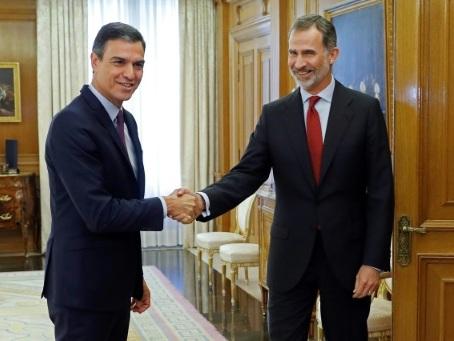 Espagne: Sanchez chargé de former le prochain gouvernement