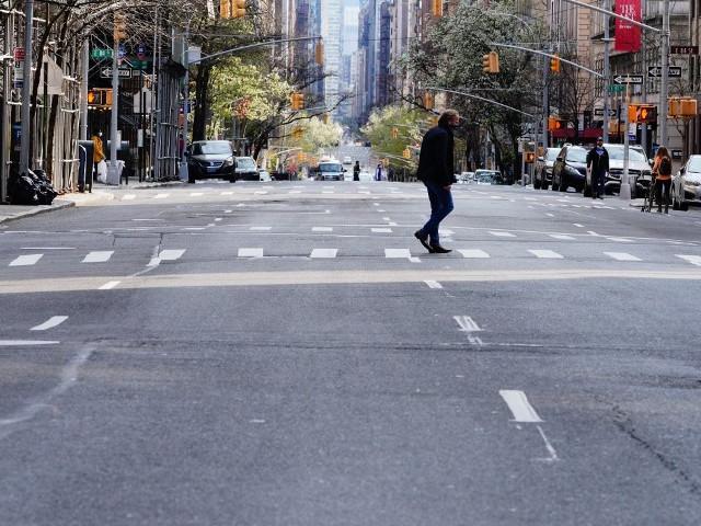 Etats-Unis : face au Covid-19, New-York se fige