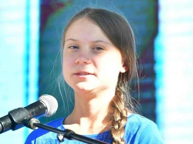 """Trump est """"tellement extrême"""" qu'il a réveillé les gens sur le climat, dit Greta Thunberg"""