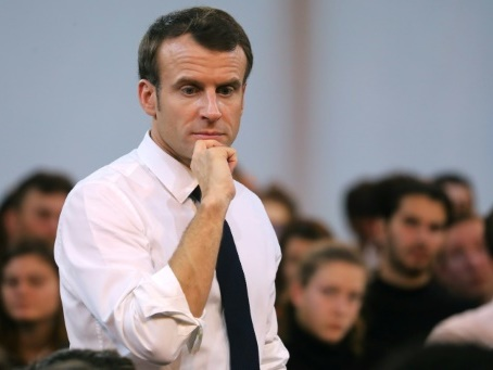 Emmanuel Macron recadre le débat sur la fiscalité carbone