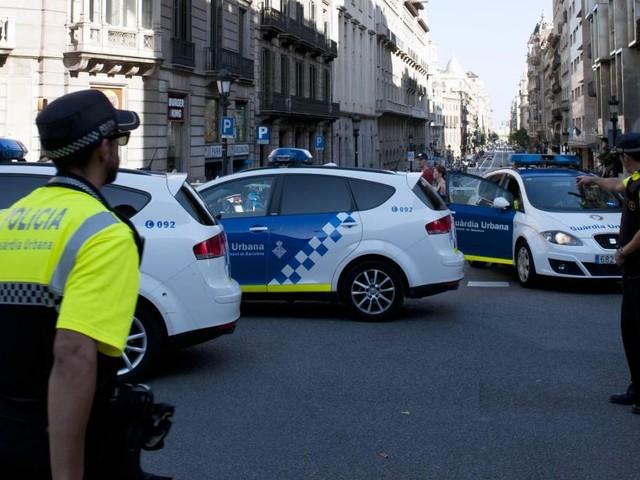 Attentat Barcelone: l'absence de bornes anti-intrusion sur les Ramblas crée la polémique