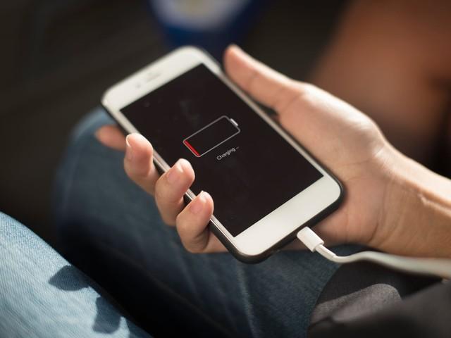 Comment le niveau de batterie de votre smartphone modifie votre rapport au monde