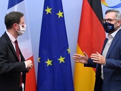 Brexit: Paris et Berlin appellent à rester ferme face à Londres