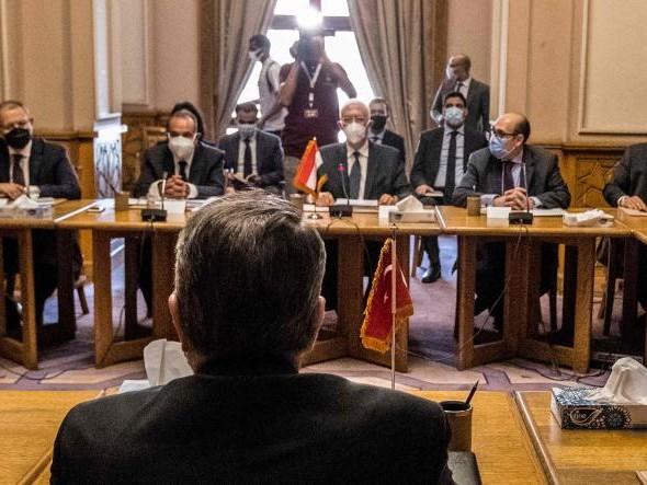 Isolé, Erdogan tente de réparer les relations avec l'Egypte et l'Arabie saoudite