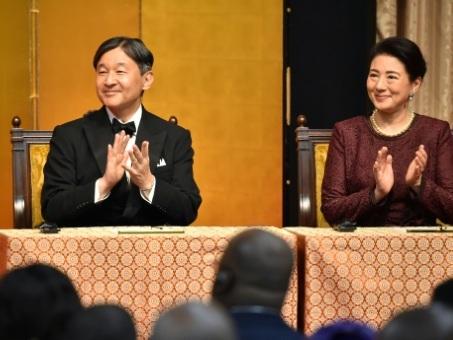 Typhon au Japon: le gouvernement pense reporter le défilé impérial