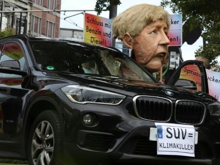 """Allemagne: l'automobile, prochaine cible de la """"génération climat"""""""