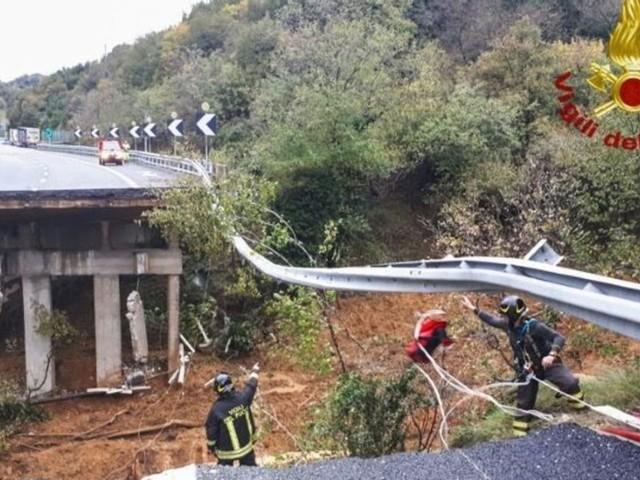 Les images impressionnantes d'un viaduc effondré sur l'A6 en Italie