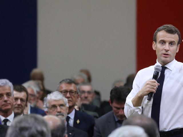 "EDITO - ""Emmanuel Macron est en campagne de reconquête des territoires"""