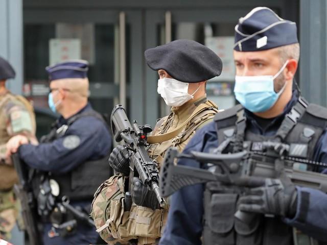 Attentat de Nice:un homme de 47 ans, soupçonné d'avoir été en contact avec l'assaillant, a été placé en garde à vue