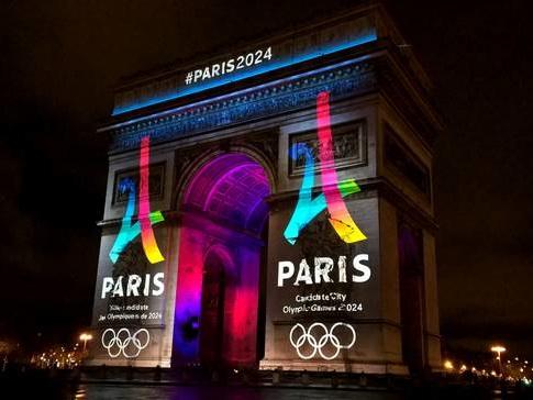 La journée olympique à Paris en 5 tweets