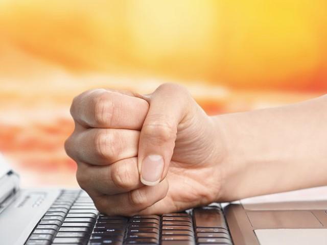 Actualité : Attentat de Conflans-Sainte-Honorine : de nouvelles mesures pour lutter contre la haine en ligne