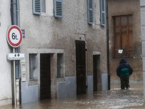 EN IMAGES. Seine, Rhin, Doubs... Les cours d'eau français débordent