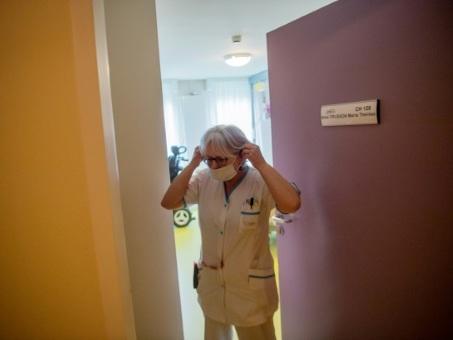 Coronavirus: l'exécutif se prépare au stade épidémique qui semble inéluctable