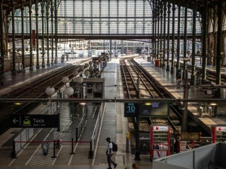 """SNCF: """"une grève reconductible se dessine"""" en décembre, prévient Laurent Brun (CGT)"""