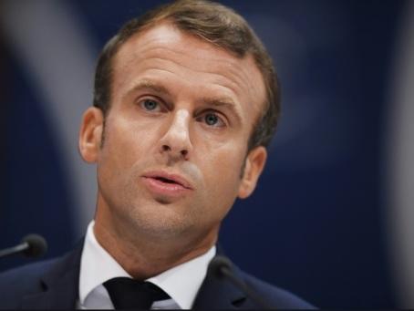 A Rodez, Macron en grand débat pour tenter de convaincre sur les retraites