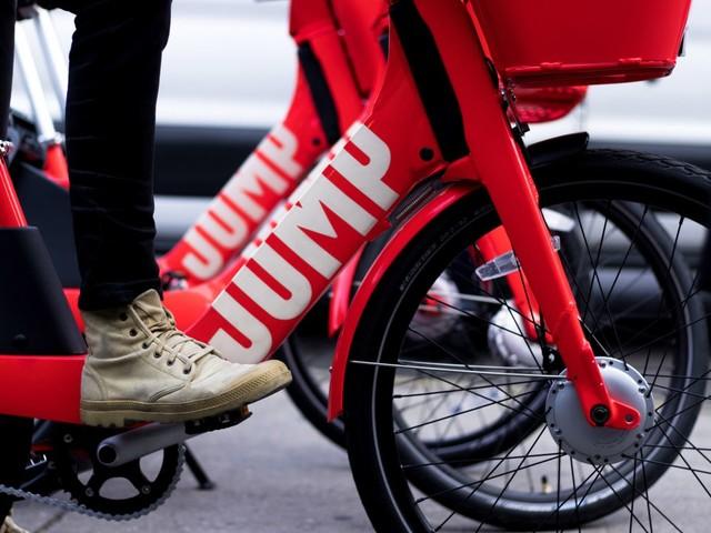 Uber s'engage à recycler ses vélos et trottinettes électriques
