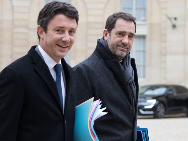 """Une journaliste accuse le gouvernement d'""""intimidations"""" après avoir contredit Benjamin Griveaux et Christophe Castaner sur Twitter"""